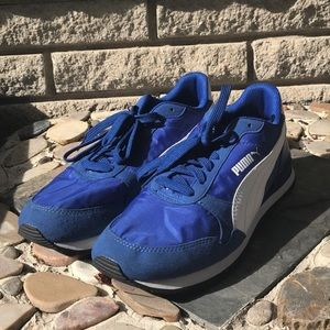 Blue and white Puma Softfoam+ men's sneakers